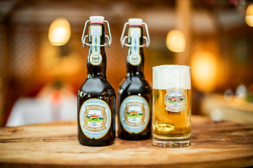 Reutberger Bier in der Bügelflasche in der Landlust in Vaterstetten