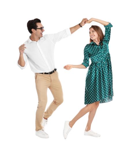 Ein Paar hat Spaß am Tanzen